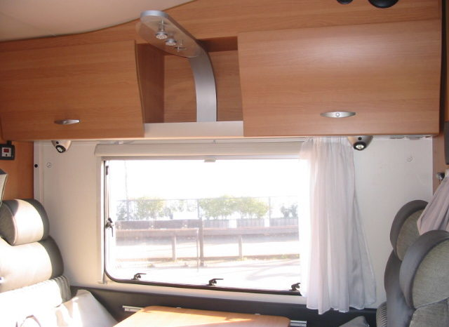 KNAUS SUN TRAVELLER 650 garage completo